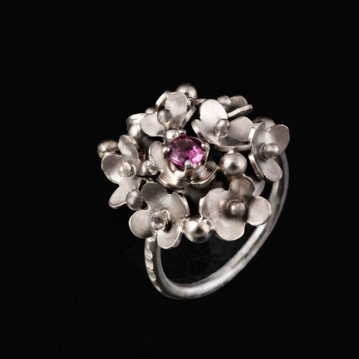 Šperky ruční výroby